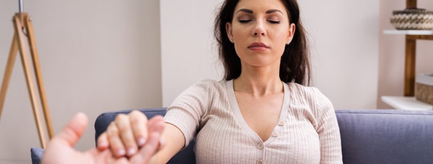 The Benefits of Clinical Hypnotherapy for Mental Health Treatment